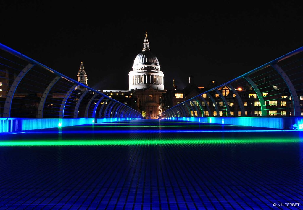 Millennium Bridge and Saint Paul's Cathedral